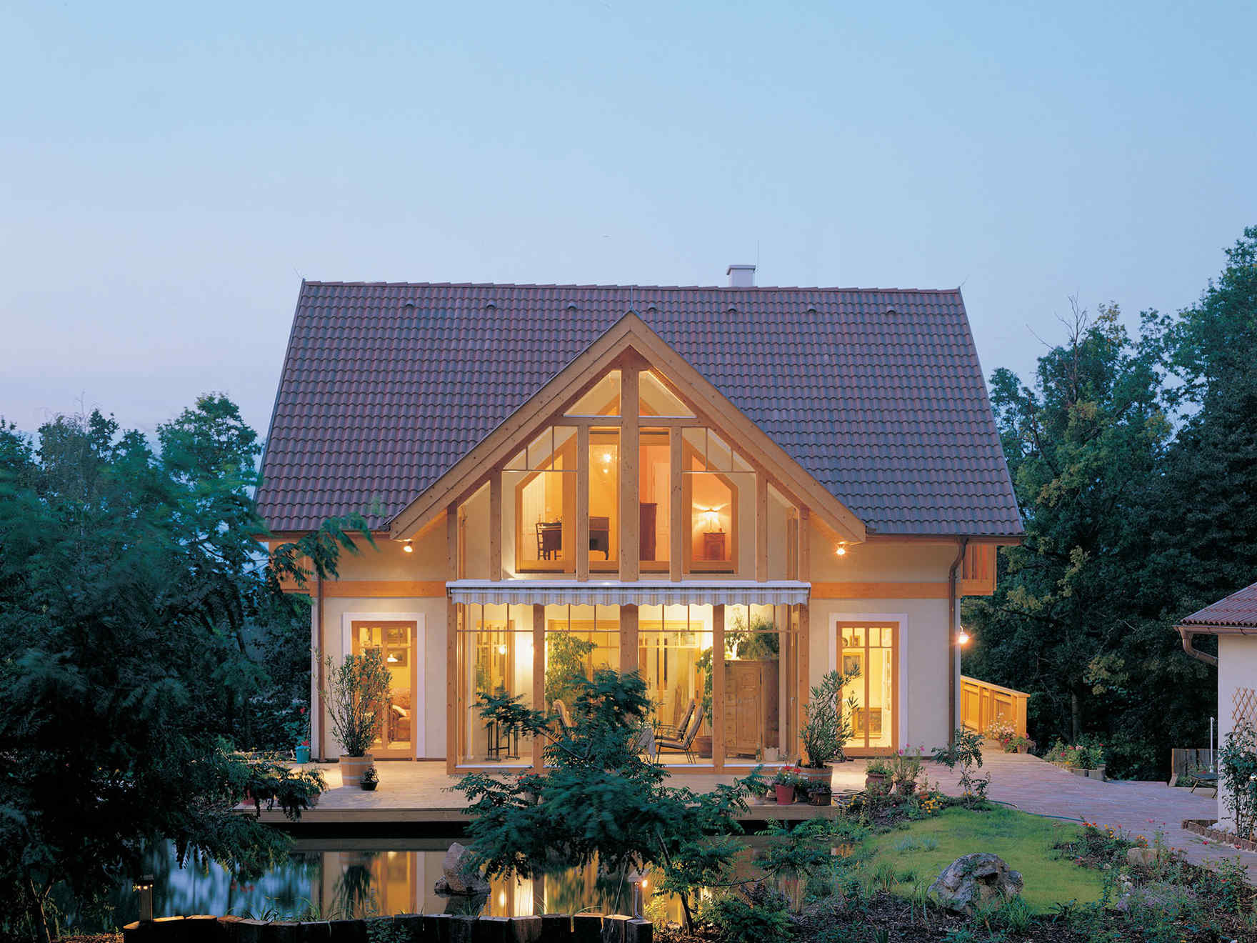 Con vario haus puoi progettare la tua casa in legno for Bungalow con cantina sciopero