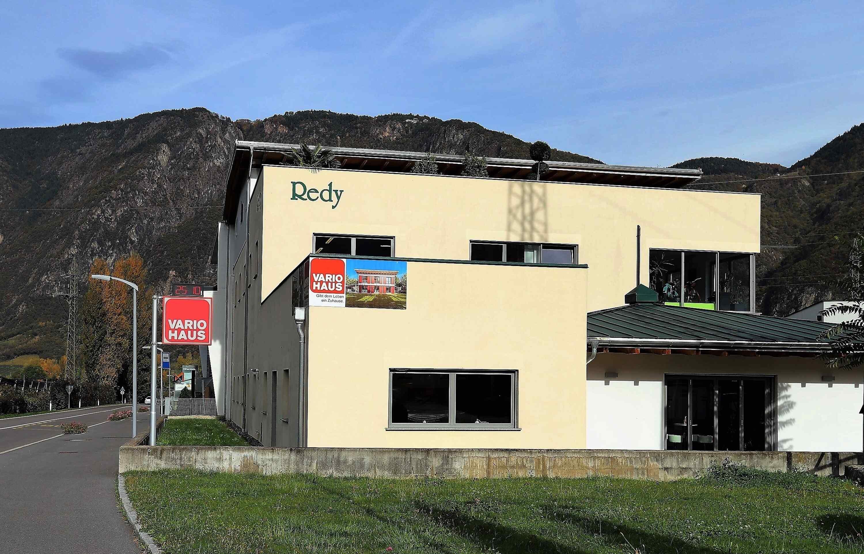 Sviluppo dell 39 azienda vario haus case prefabbricate for Azienda case prefabbricate