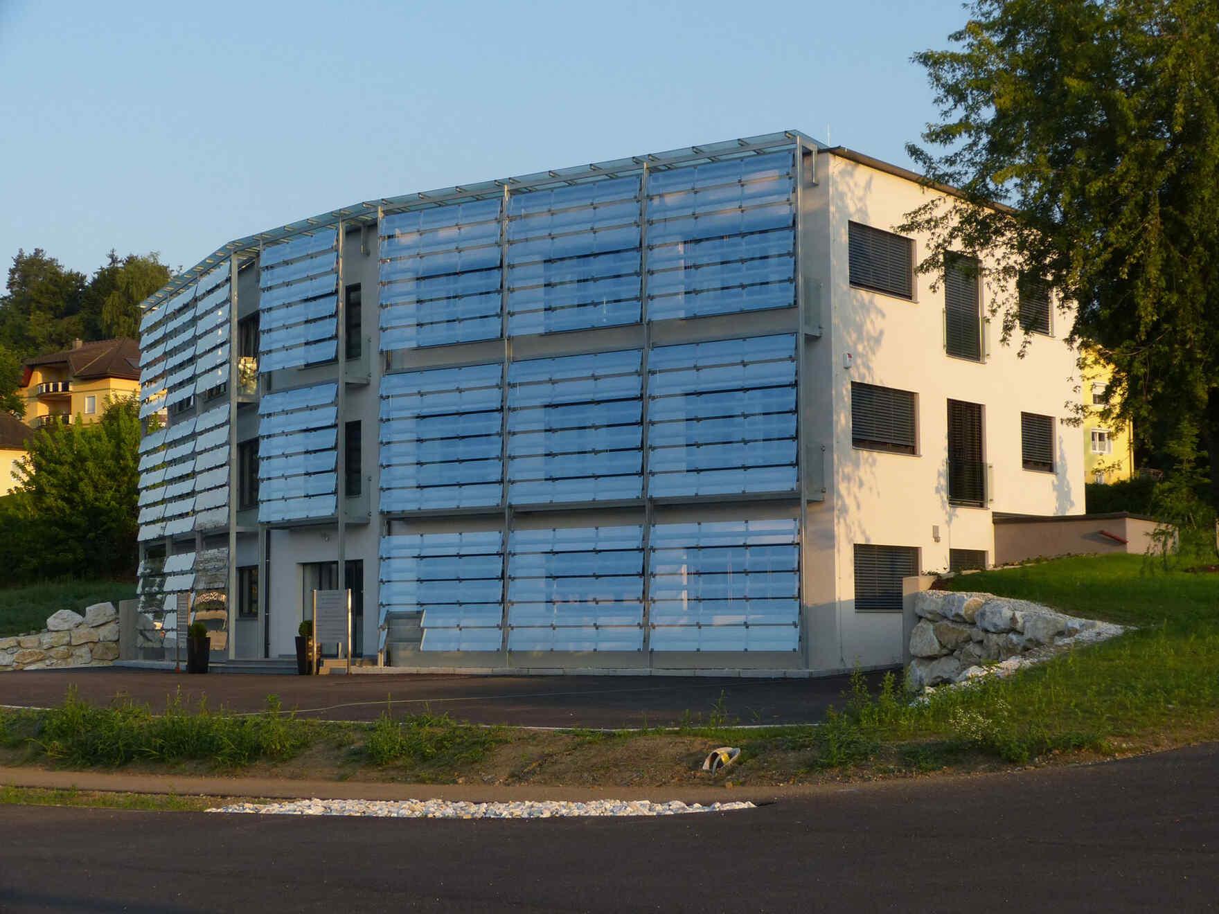 "casa prefabbricata in legno Architects ""Dentalzentrum Velden"""