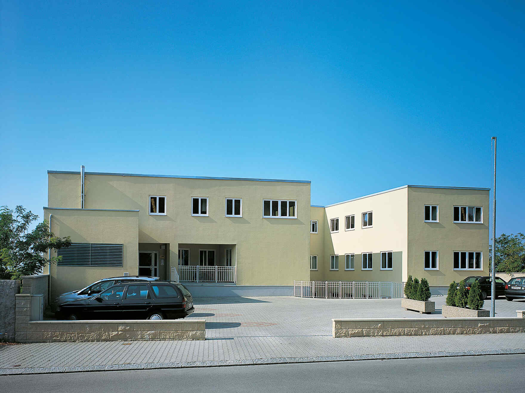 casa prefabbricata in legno Wohn- und Bürogebäude