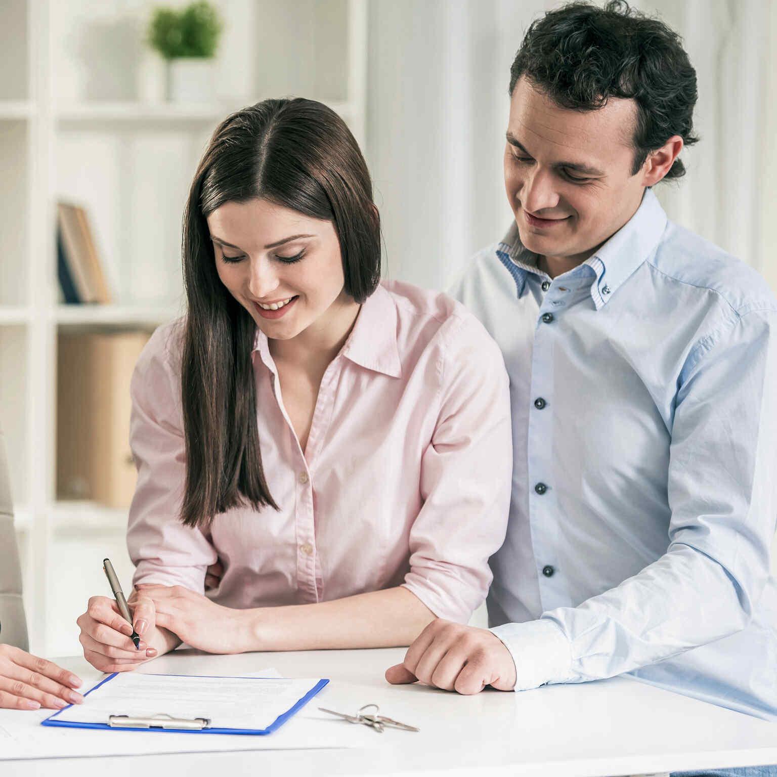 Schritte zum Hausbau: KV unterzeichnen